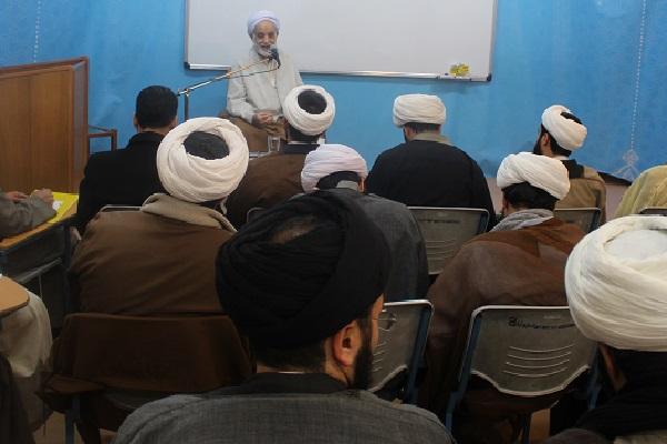 اختتامیه دوره آموزشی تکمیلی معارف نماز با حضور حجت الاسلام والمسلمین قرائتی *+ گزارش تصویری