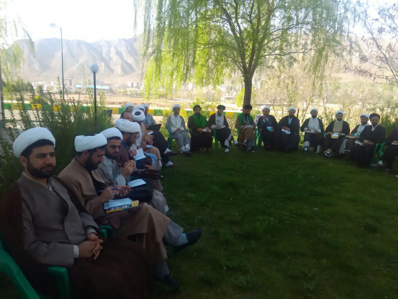 دوره آموزشی اساتید و کارشناسان برتر مرکز تخصصی نماز در سمنان