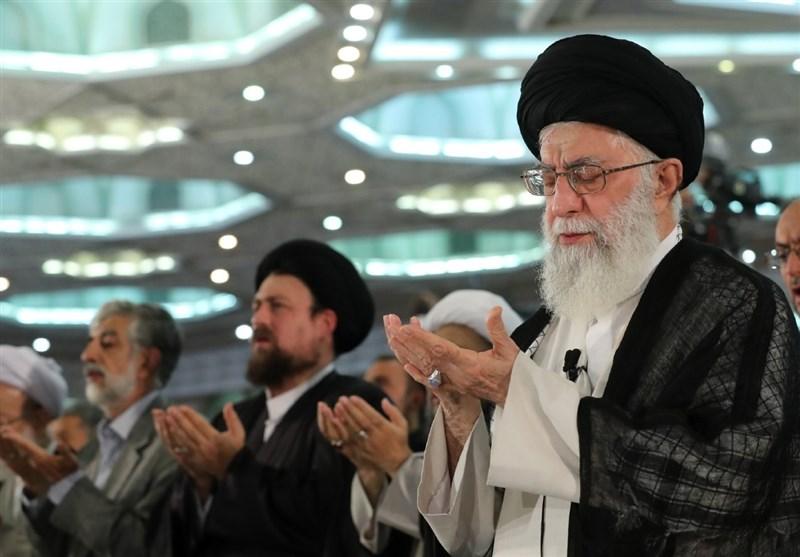 نماز عید سعید فطر بهامامت رهبر انقلاب در مصلای امام خمینی اقامه شد+گزارش تصویری