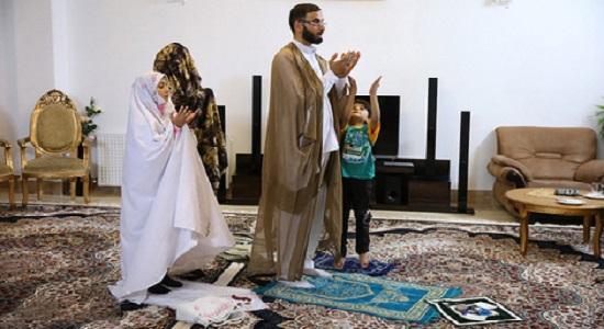 آثار نماز درخانواده