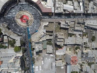 تصویر هوایی از نماز ظهر عاشورای حسینیه  اعظم زنجان