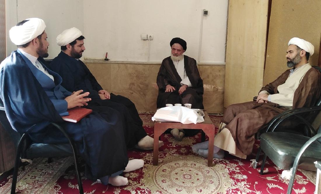 جلسه مدیر مرکز تخصصی نماز با امام جمعه شهرک پردیسان قم