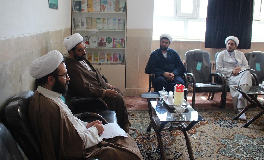 جلسه مدیر مرکز تخصصی نماز با مدیر اعزام مبلغ سازمان اوقاف و امور خیریه
