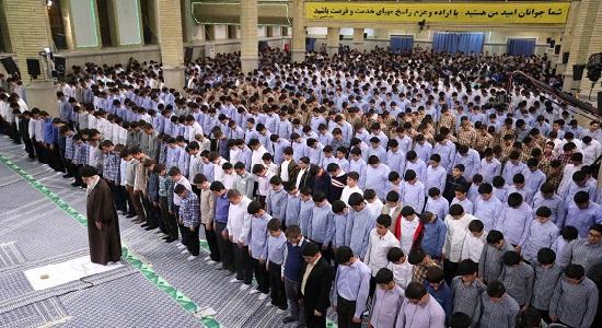تصاویر جشن تکلیف دانش آموزان پسر در محضر رهبر معظم انقلاب