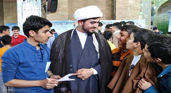عوامل کمرنگ شدن حضور نوجوانان در مساجد