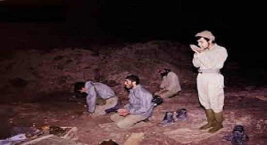 با آن همه خستگی بیدار ماند تا نماز بچه ها قضا نشود!!!