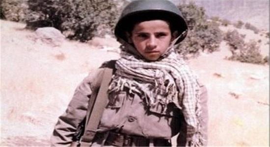 مجوزی معتبر برای نوجوانی سیزده ساله برای حضور در جبهه از دست امام خامنه ای