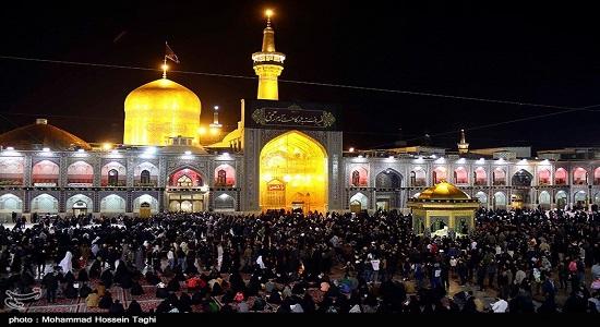 نماز شب در حرم امام رضا (علیه السلام)