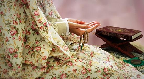 نمازِ پشت مبلی