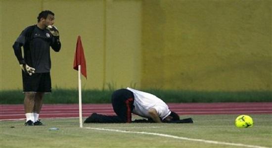 نماز اول وقت یا فوتبال چلسی