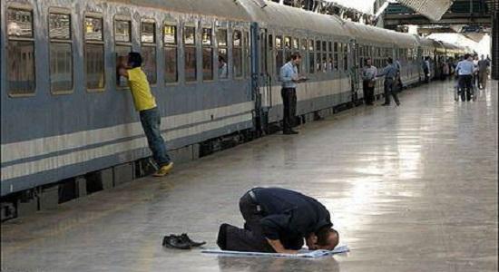 حرکت قطار در مسیر نماز