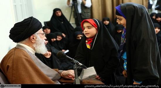 پاسخ امام خامنه ای به نامه یک دختر نوجوان درباره ورود به عرصه تکلیف الهی