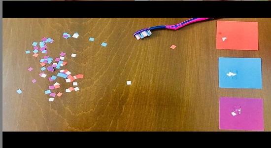 بازی کاغذهای رنگی و جاروی مسواکی