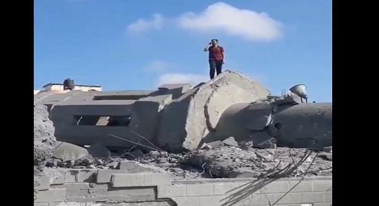 اذان در ویرانه های غزه